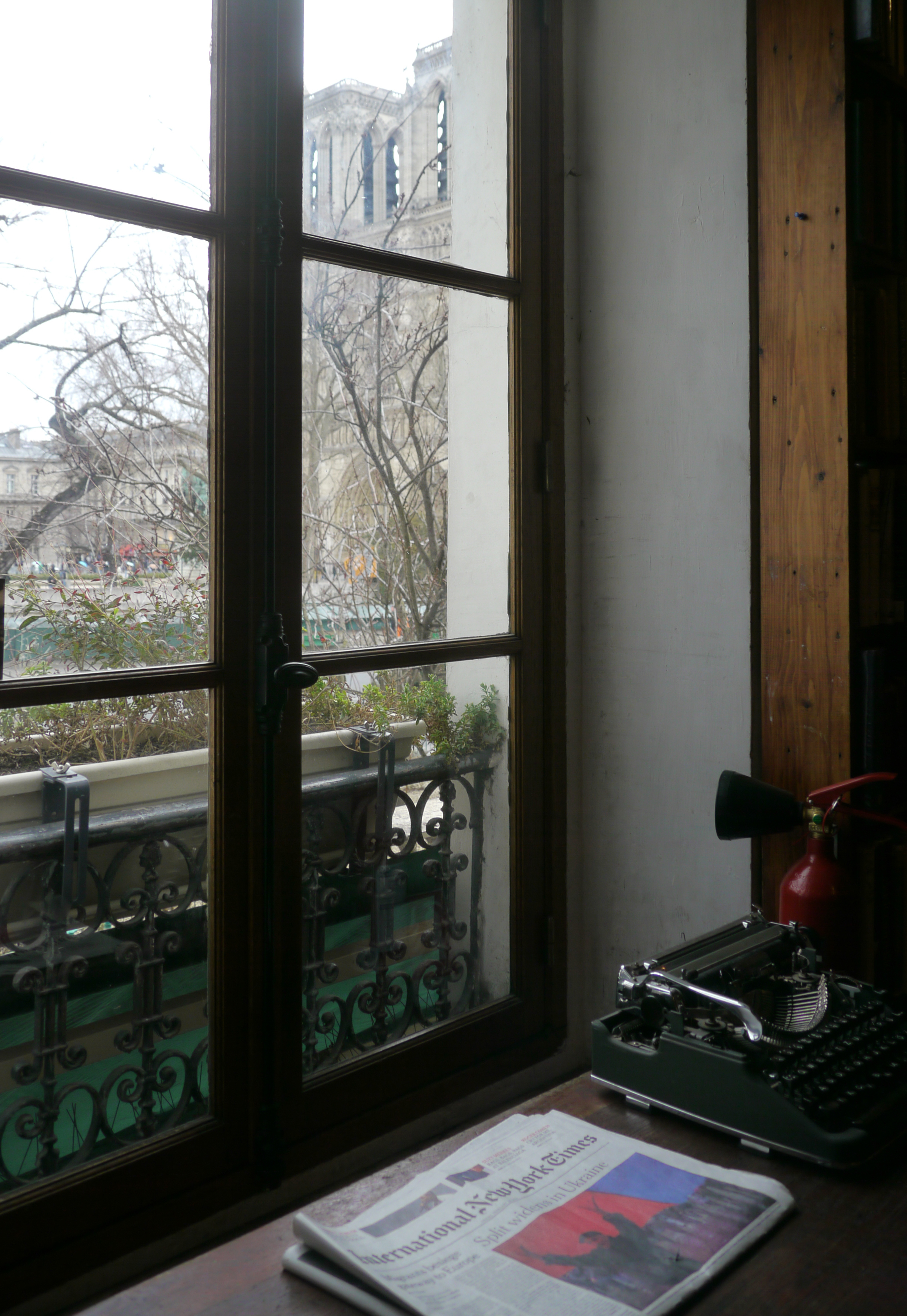 Paris 10 Schakespearbokhandeln 2 skrivmaskin